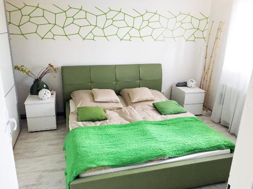 Schlafzimmer mit Doppeltbett 160 cm